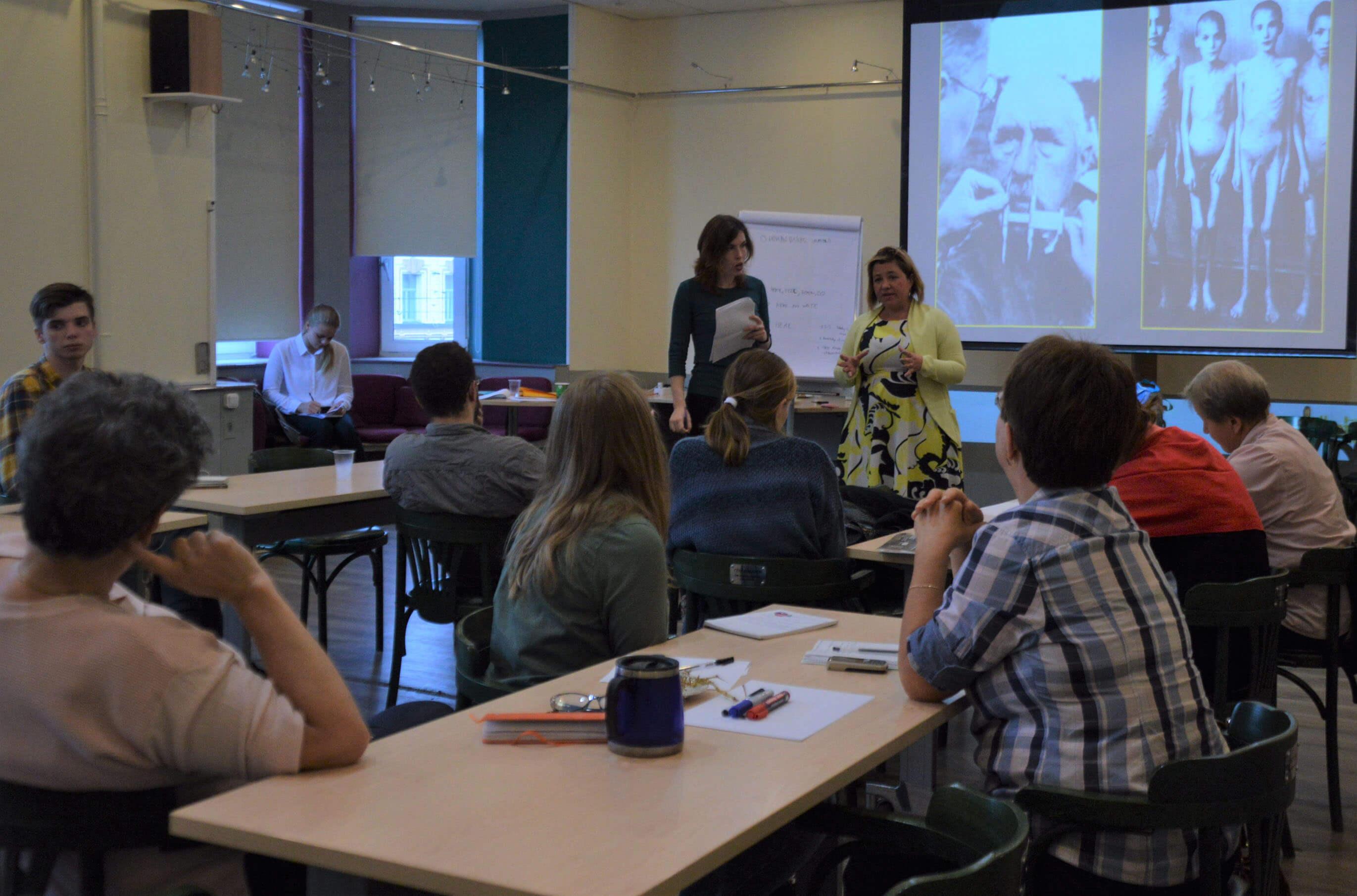 Hanna and Goliath fortbildar lärare i Ryssland